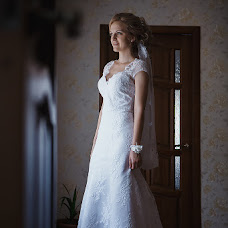 Wedding photographer Olga Popova (KrylovaOlga). Photo of 23.09.2017
