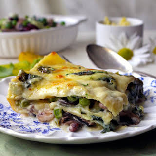 Meat-free Lasagna With Four Beans, Spinach & Chestnut Mushrooms And A Cheese Béchamel Sauce.