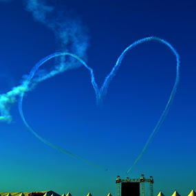 LOVE IN THE AIR by Mark Tomboc - News & Events World Events
