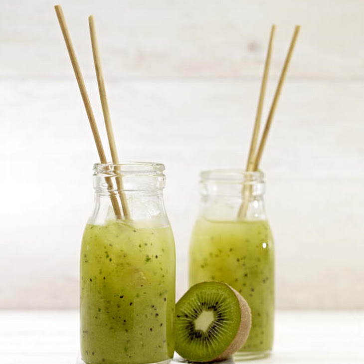 Kiwi, Apple and Ginger Smoothies
