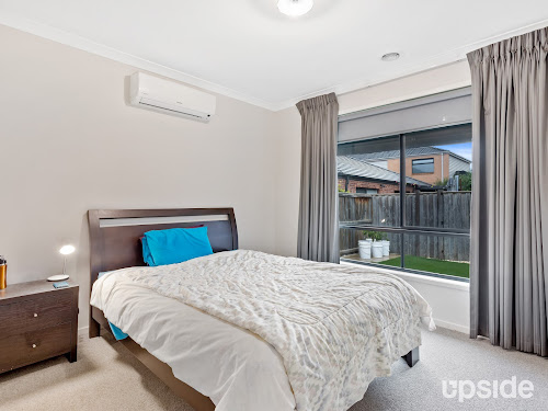 Photo of property at 5 Freedman Avenue, Williams Landing 3027
