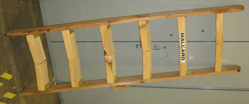 Collapsable_Ladder_9438_crop_compr.jpg
