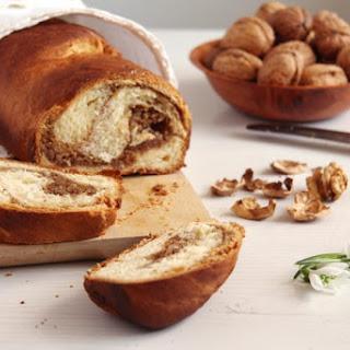 Romanian Sweet Bread with Walnuts – Cozonac Recipe