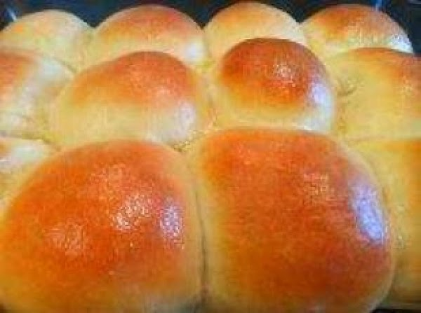Amish Fancy Butter And Egg Dinner Rolls Recipe
