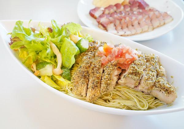 超澎湃~中西合璧雞腿青醬麵線x涮嘴甘蔗燻肉~超乎想像的創意小店-迪波波藝食館