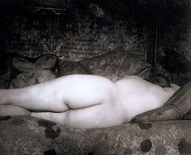 Photo: desnudo tendido, 1925. .- EUGÈNE ATGET