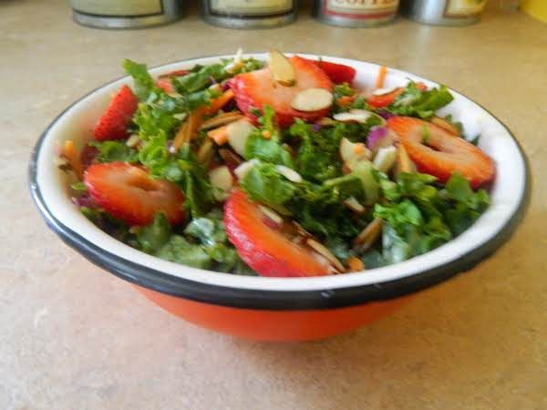 Kale And Strawberry Salad W/creamy Citrus Dressing