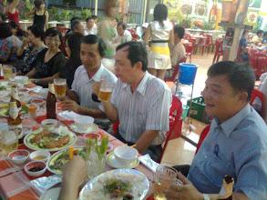 Photo: Tất niên NLS BD cụm Sài gòn có cả các bạn học sinh Lâm Nghiệp (sau 1975)