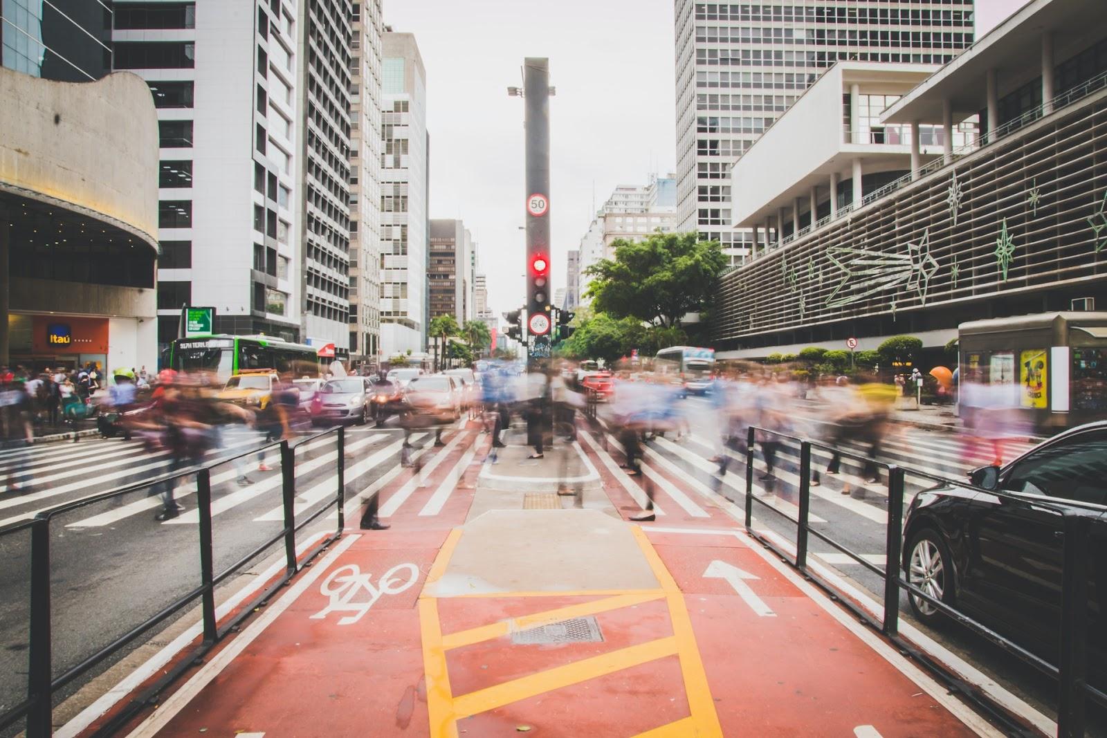 Maior cidade do Brasil tem frota com cerca de 15 mil ônibus regulamentados. (Fonte: Pexels)