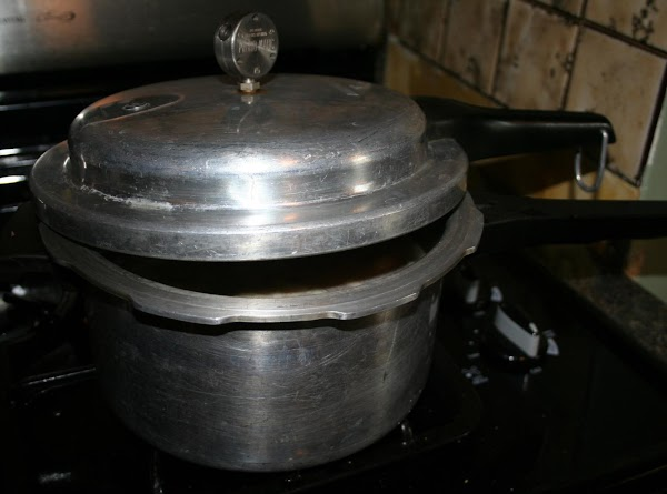 If using pressure pan, cover and adjust lid.  Cook at 15 pounds pressure...