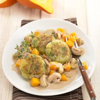 Kartoffelplätzchen mit Kürbis-Champignon-Gemüse