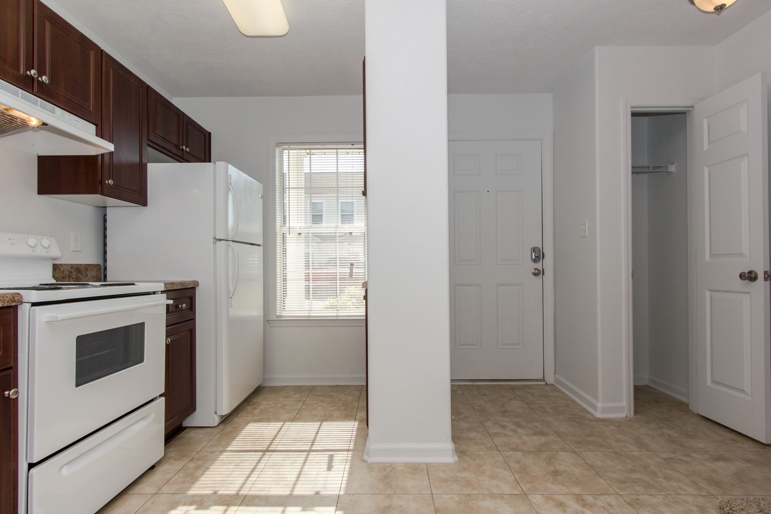 The dearlove floorplan 2 bed 1 5 bath the townhomes - One bedroom apartments augusta ga ...