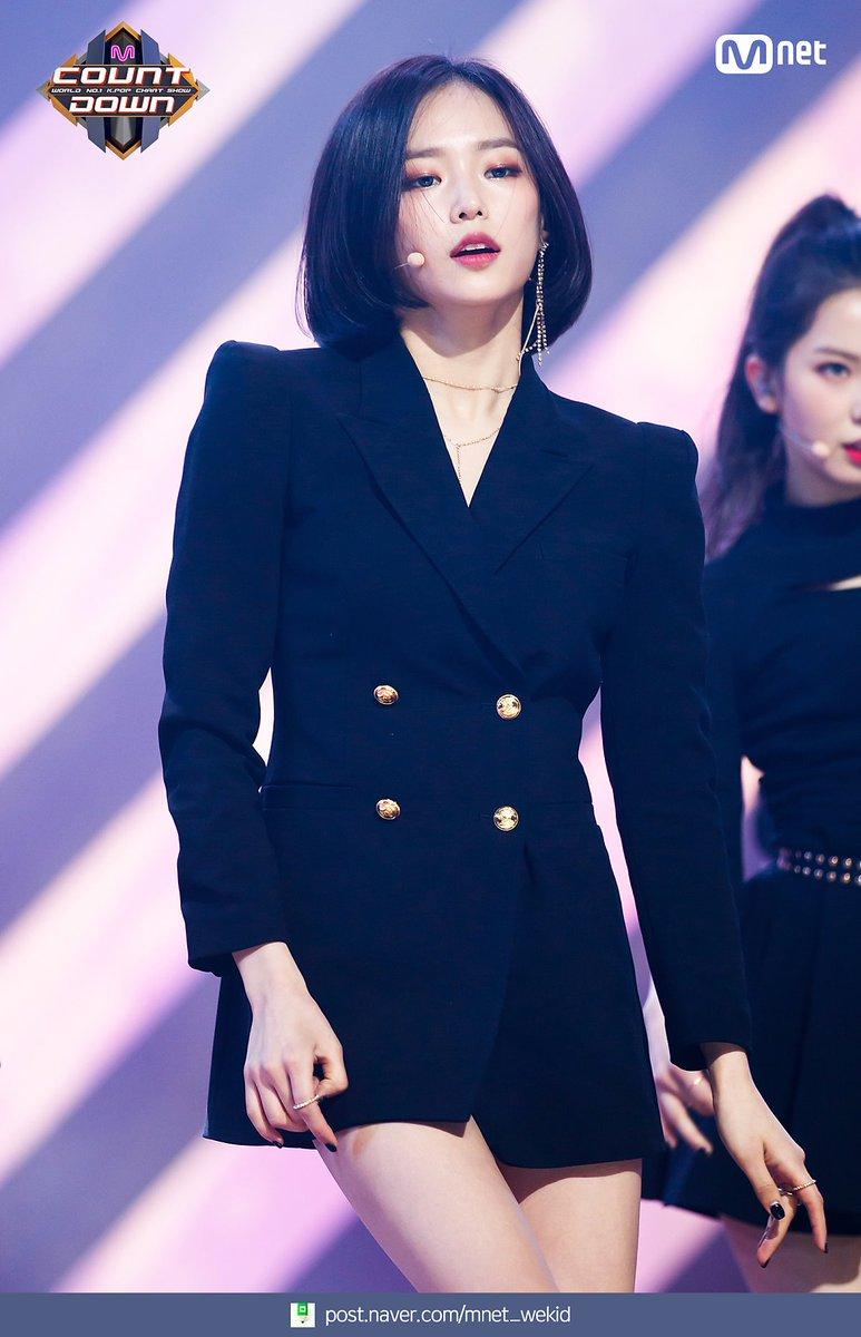 yeeun suit 6