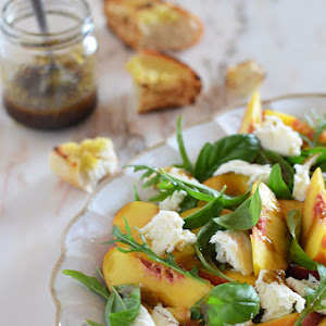 Quinoa, Spinach and Pomegranate Salad