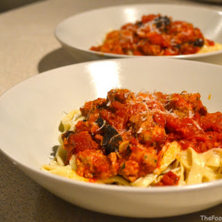 How to…..make Tagliatelle (and a spicy sausage&tomato sauce).