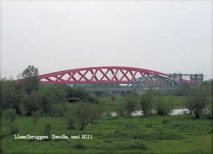 Photo: (Nog) twee bruggen over de IJssel; idee van Casper om het vast te leggen :-)