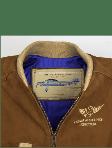 """Le Latécoère 28 (ou Laté 28) est un avion à aile haute de type """"parasol"""" et à hélice bipale, capable d'emporter 8 passagers. Il fut construit par la société Latécoère à 50 exemplaires, de 1927 à 1932, initialement propulsé par un moteur Renault (12 J de 500 ch.) il fut ensuite remplacé par un Hispano-Suiza (12 Nbr de 650 chevaux) plus puissant.  Il a été rendu célèbre par son utilisation dans les liaisons postales entre la France et l'Amérique du Sud au service de l'Aéropostale, dans les années 1930.   C'est avec sa version 28.3, hydravion, immatriculée F-AJNQ, produite à un seul exemplaire que la ligné des Laté 28 rentre dans l'Histoire avec l'équipage composé de Jean Mermoz, pilote, Jean Dabry, navigateur et Léopold Gimié, radio, pour avoir réussit la première traversée commerciale de l'Atlantique Sud, le 12 mai 1930.  Très robuste et doté d'excellentes qualités de vol le Laté 28 est considéré comme l'un des premiers avion commerciale efficace et sur de l'histoire."""
