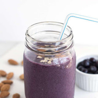 Blueberry Oatmeal Morning Smoothie.