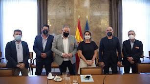 Imagen de una reunión reciente de regantes, entre ellos Aguas del Almanzora, con la ministra Tereas Ribera.
