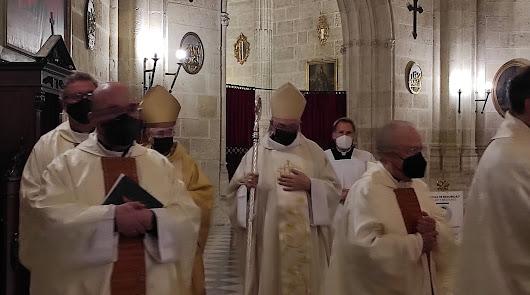 """""""Me siento raro"""": Gómez Cantero se 'estrena' con su primera misa en la Catedral"""