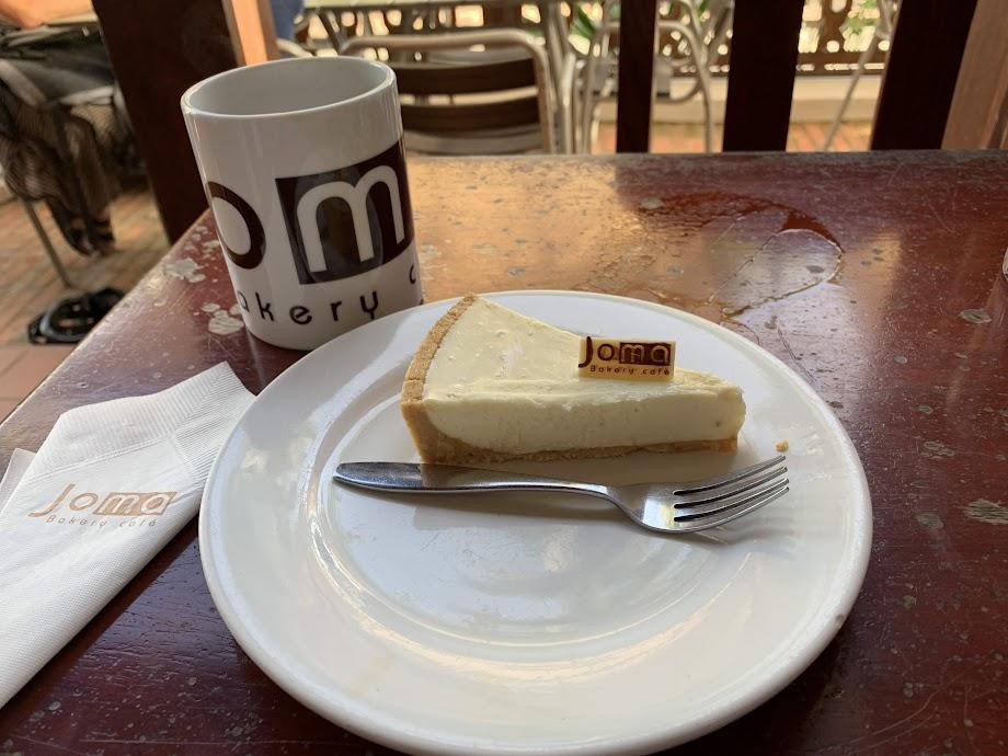 Joma のアメリカンとチーズケーキ