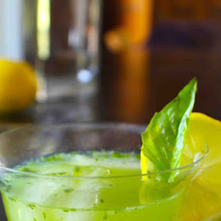 Gin, Basil, and Lemon Summer Cocktail