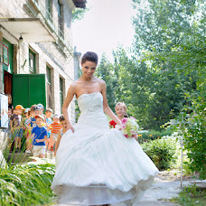 Wedding photographer Vladimir Ovsyannikov (alinalook). Photo of 20.05.2014