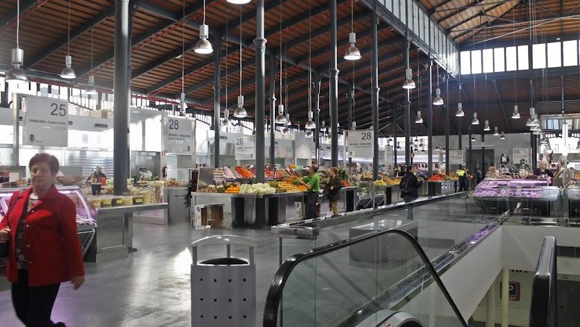 Interior del Mercado Central de la capital