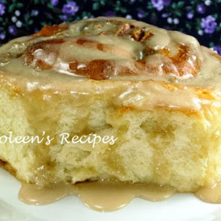 BEST EVER (NO KNEAD) CINNAMON ROLLS