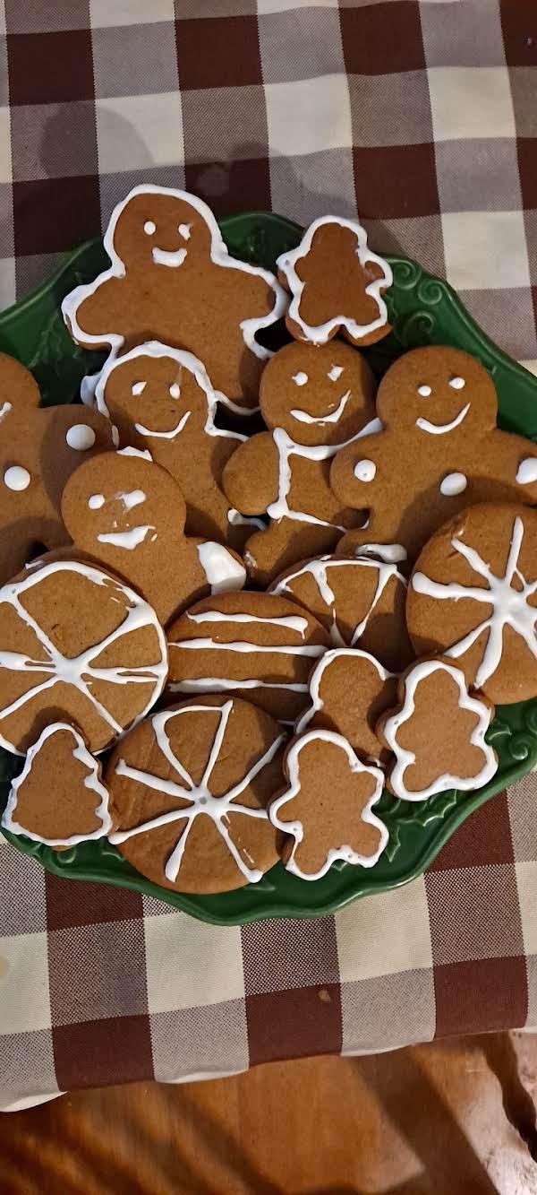 Classic Giingerbread Cookies