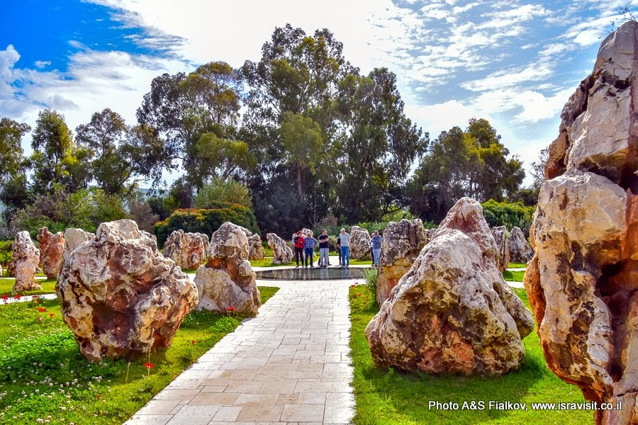 Мемориал памяти погибших воинов при крушении вертолётов в Израиле, мошав Шеар Ишув. Экскурсия на Голаны.