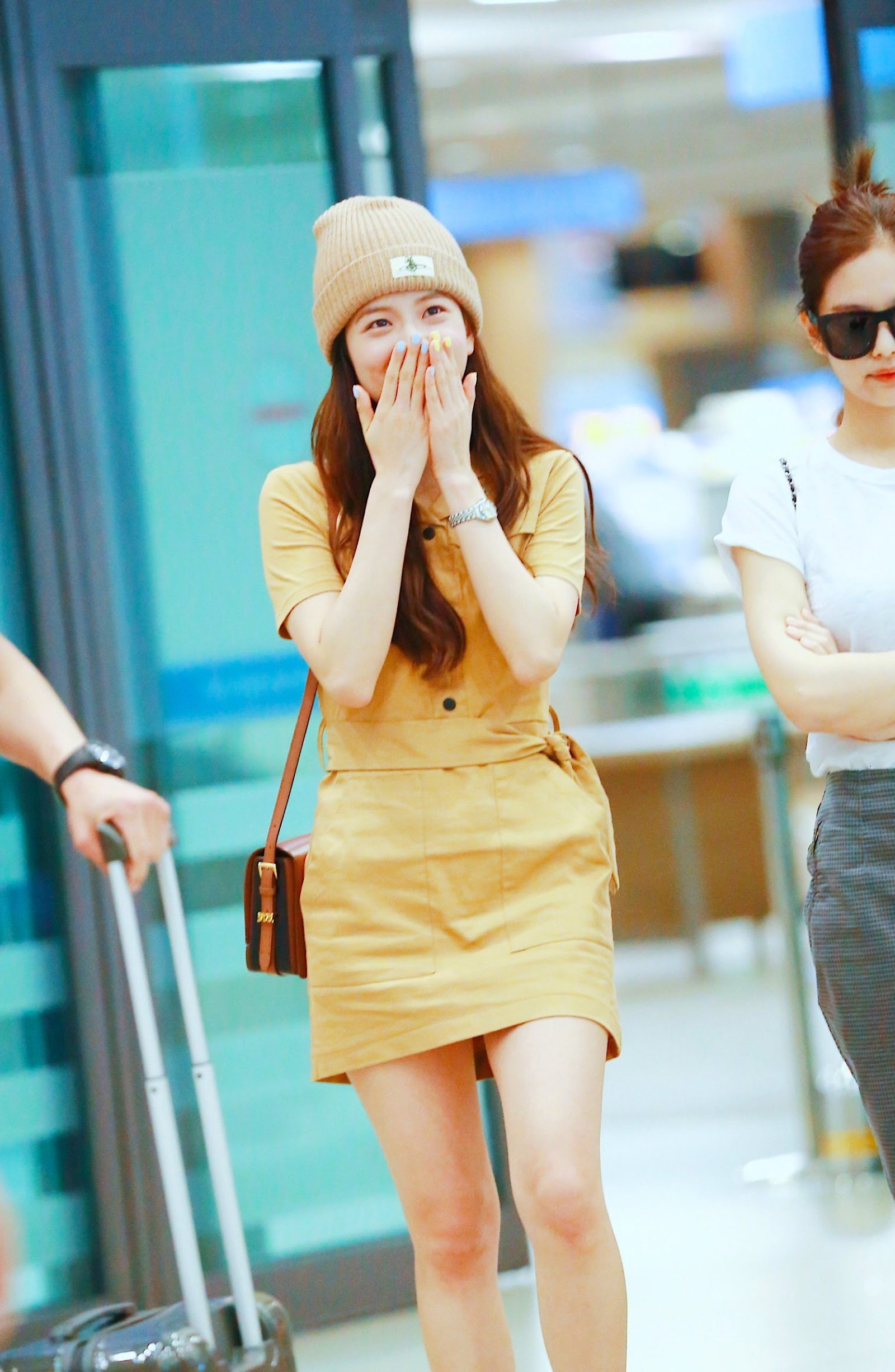Jisoo-Band-Collar-Tan-Colored-Belted-Dress-Inspiration-3-scaled