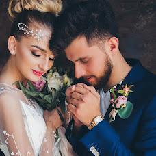 Wedding photographer Mikhail Batenev (mikebatenev). Photo of 08.07.2017