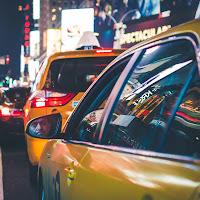 New York: Tassisti nel traffico di