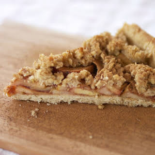 Cinnamon Crumble Apple Pie.