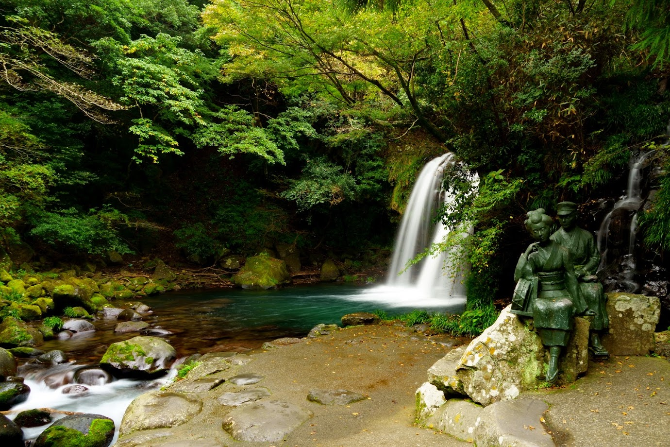 12 водопадов, 3 ущелья, 5 онсенов – вдали от самых популярных троп в ноябре