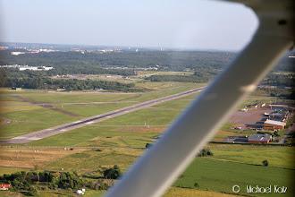 Photo: Right base til bane 19 på Göteborg City Airport. 12 knop rett i siden på finalen.