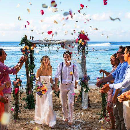 Wedding photographer Andra Lesmana (lesmana). Photo of 12.02.2018