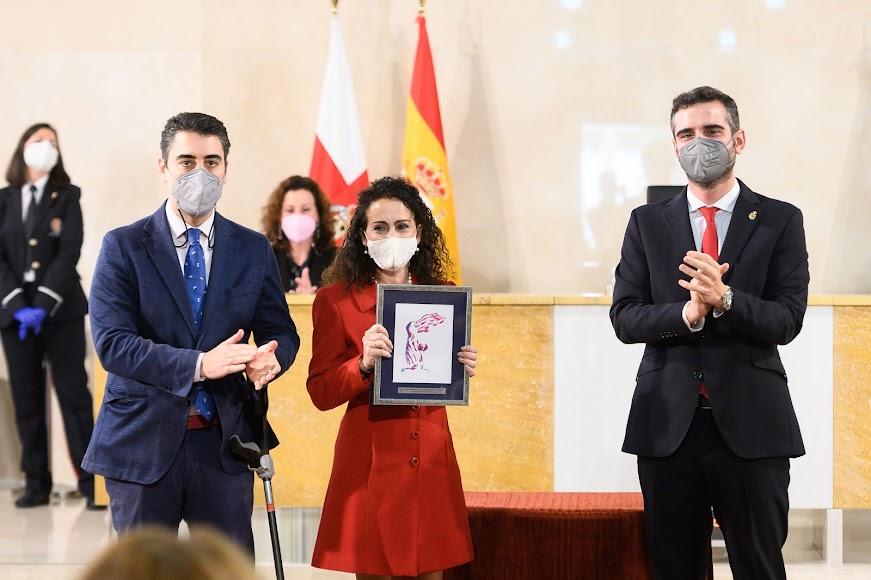 Premio a Gema Esteban Bueno (Investigación).