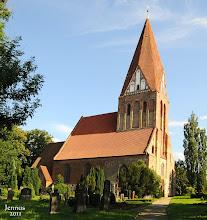 Photo: gepflegte Dorfkirche in Parkentin bei Rostock