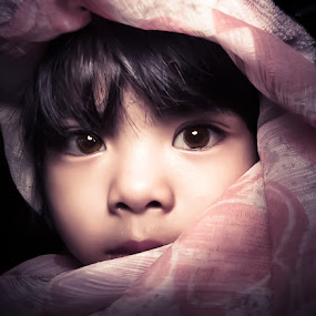Softness in her,, by Izhar  Hj.Ishak - Babies & Children Child Portraits ( face, people, photography, closeup, close, up )