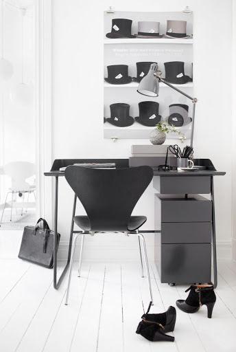 Overtime skrivbord med sarg