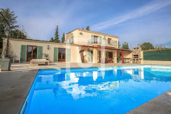 Villa 5 pièces 220 m2