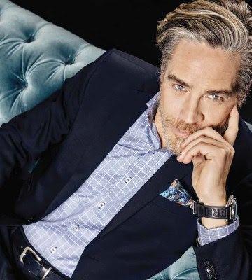 RUTIG BUSINESSKJORTA BLÅ - REGULAR CUT