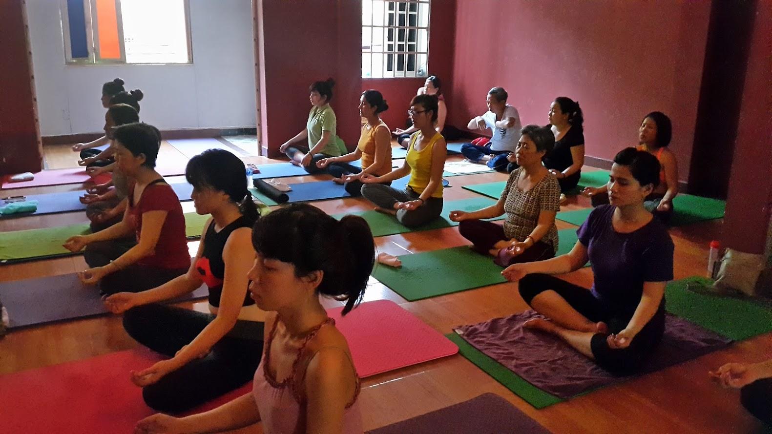 Ngồi thiền luyện thở - Ngồi thiền là phương pháp quân bình tâm trí.