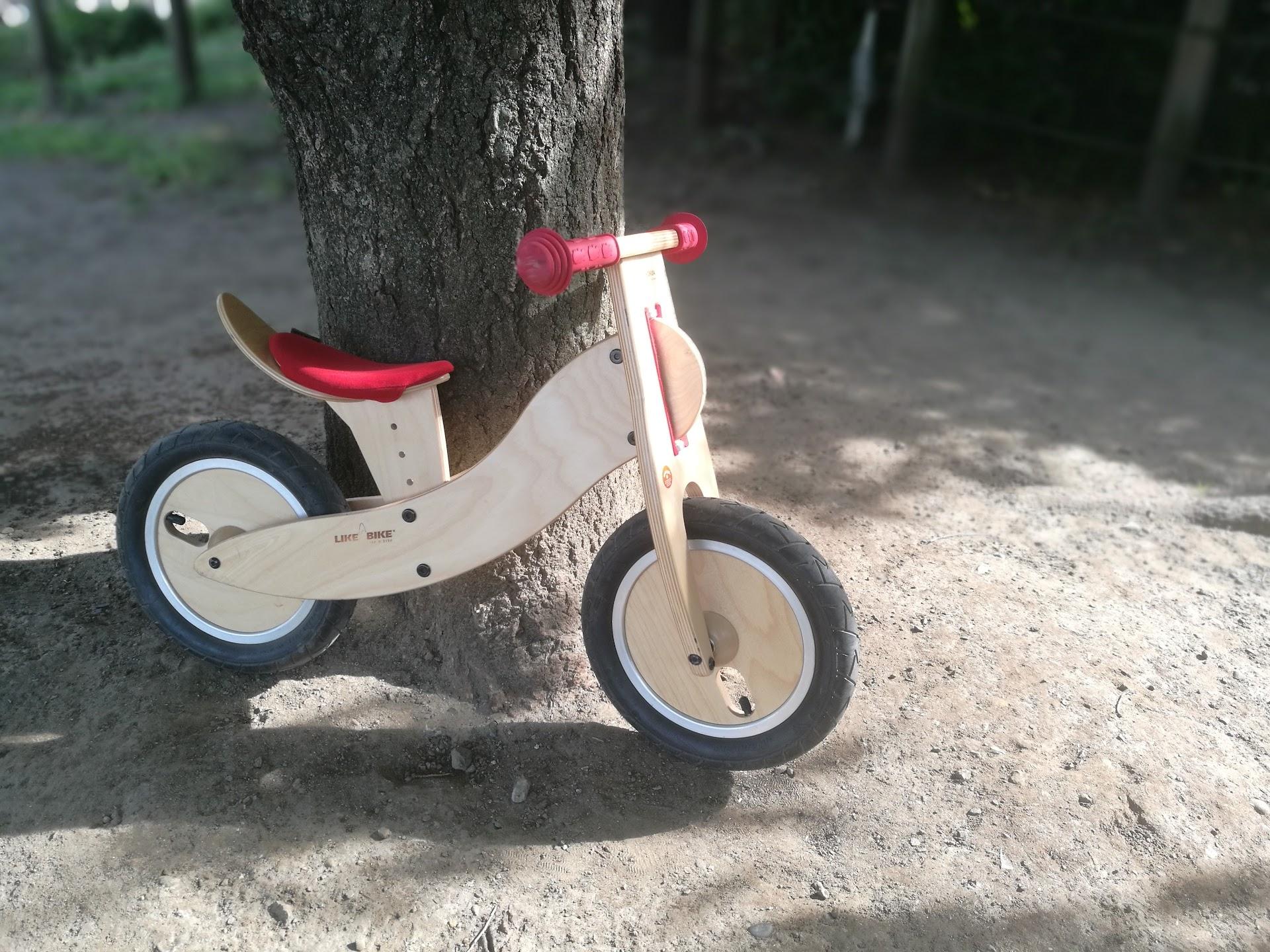 木のストライダー
