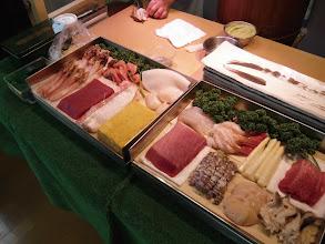 Photo: 寿司出張サービス おたるの寿司職人が、あなたのお部屋でお寿司を握ります。 料金プラン(1) 4名様22,000円コース(現金支払い20,000円)+1名より5,000円追加 内容は、松10貫、竹12貫、梅15貫(それぞれ1名)