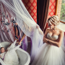Wedding photographer Anna Osipova (yaguanna). Photo of 01.10.2014