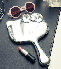 Photo: The Coveteur took a peek into Kelly Osbourne's closet, and this handheld mirror from Sephora was hiding in there!  http://bit.ly/UOBDR8