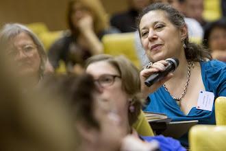 Photo: Cécile Butor lors d'un échange avec une intervenante- Photo Olivier Ezratty